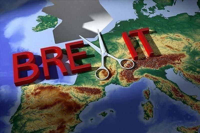 Foreign grads get green light to stay in UK for 2 years