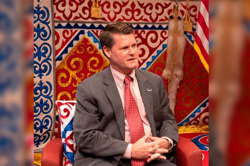 О перспективах военного сотрудничества между США и Казахстаном рассказал Рэндалл Шрайвер