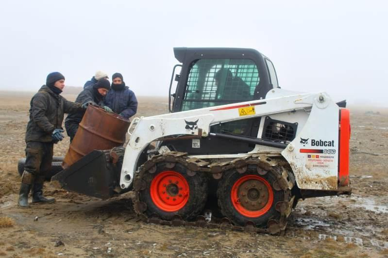 Arctic pollution: Kazakh students partake in clean-up operation