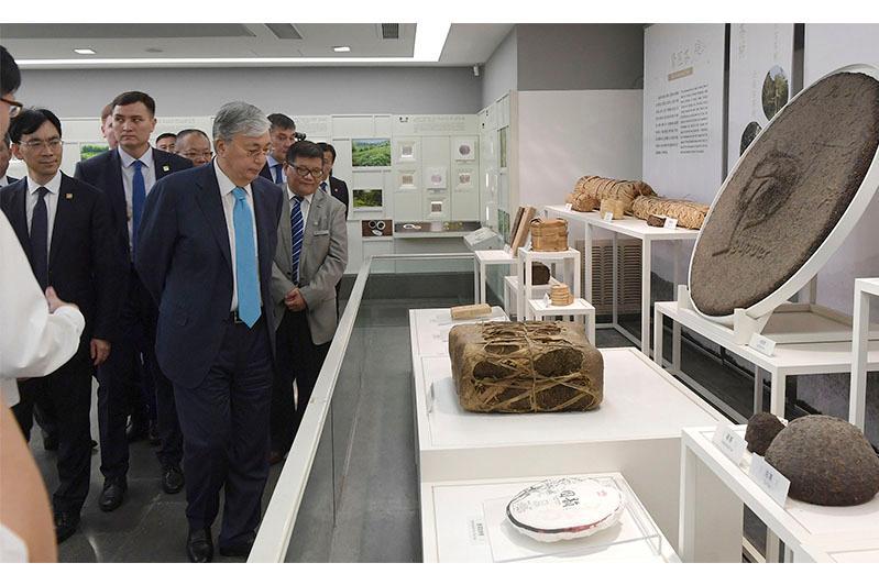 Касым-Жомарт Токаев посетил культурные достопримечательности Ханчжоу