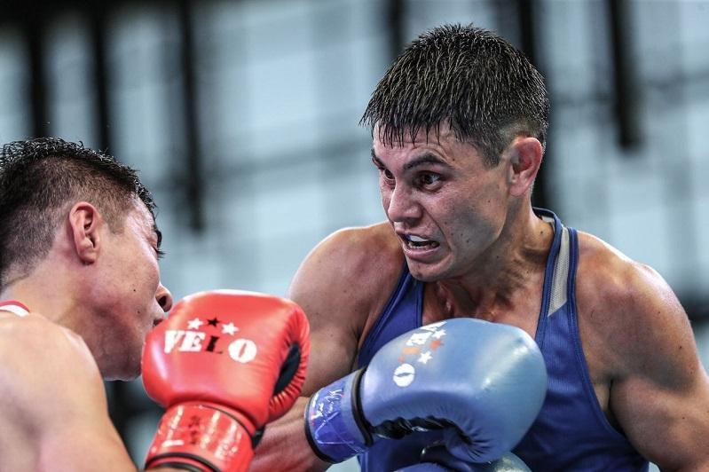 ЧМ по боксу: Закир Сафиуллин вышел в следующий раунд