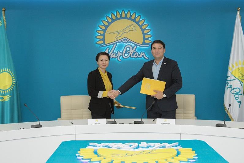 Телеканал «Qazaqstan» покажет айтыс, проводящийся при поддержке партии «Nur Otan»