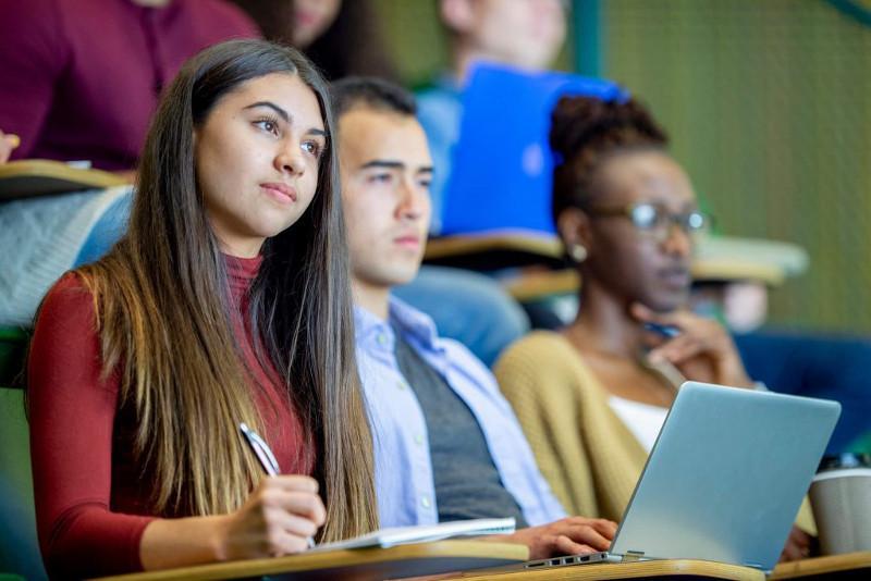 英国将恢复PSW签证 留学生毕业后可申请2年居留