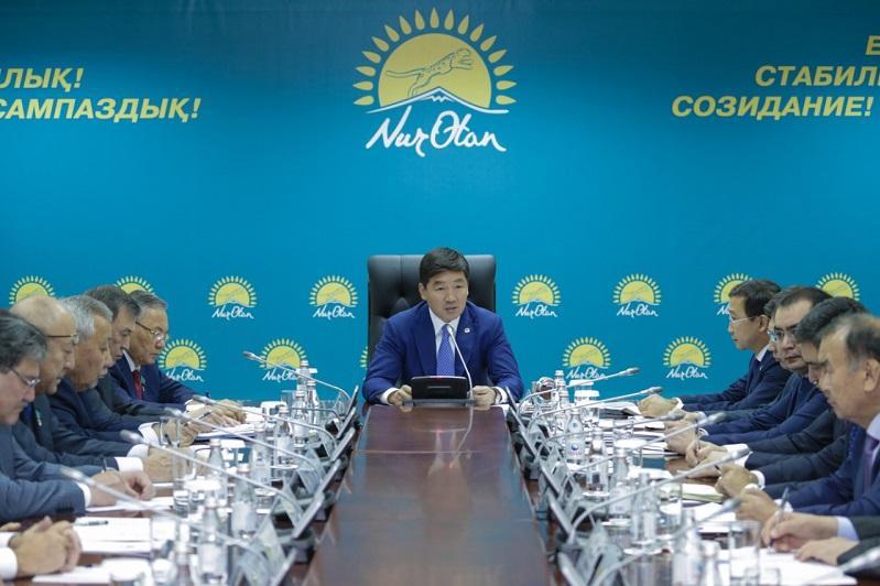 Необходимо рассмотреть вопрос создания «горячей линии» по вопросам коррупции - Бауыржан Байбек