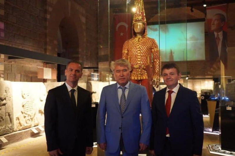 'Golden Man' exhibition opens doors in Turkey