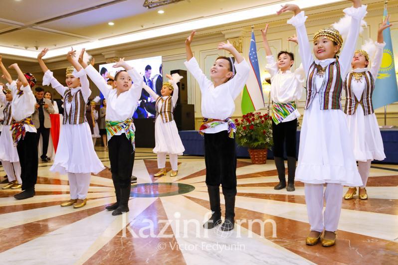 乌兹别克斯坦独立28周年招待会在努尔-苏丹举行