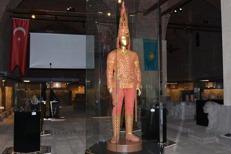 国宝金人铠甲在土耳其首都安卡拉展出