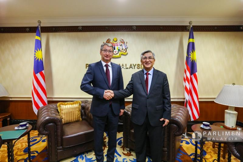 哈萨克斯坦与马来西亚将建立议会间友谊小组