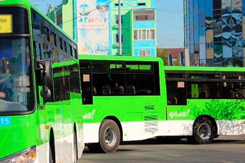 В Атырау отложили введение дифференцированного тарифа вобщественном транспорте