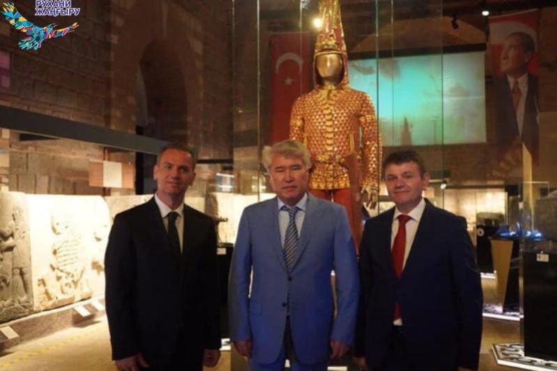Шествие Золотого человека по музеям мира продолжилось в Турции