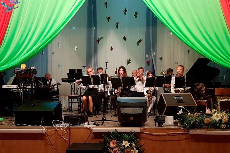 «Рухани жаңғыру»: Қарағандылық музыканттар көшпелі концерттер өткізуде