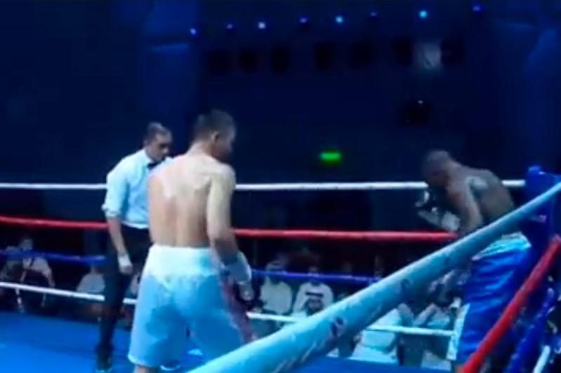 Қазақ боксшысы Африка чемпионын нокаутқа жіберді