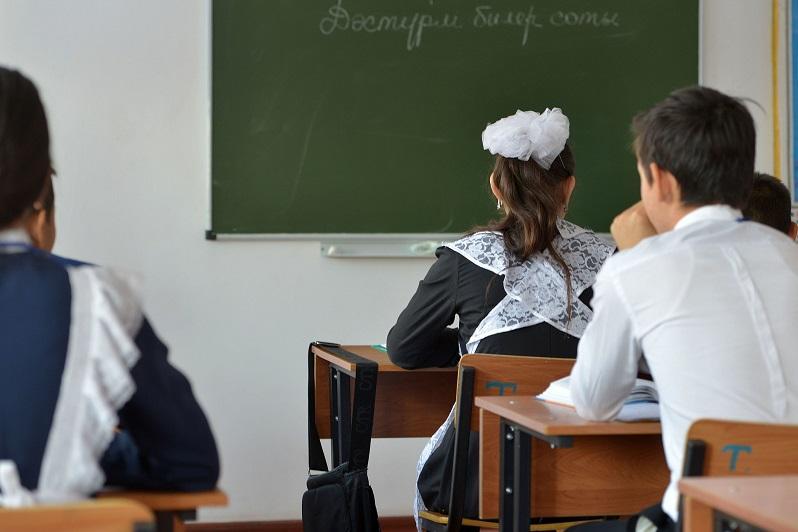 Қызылордада белгілі өнерпаздар оқушылармен кездесті