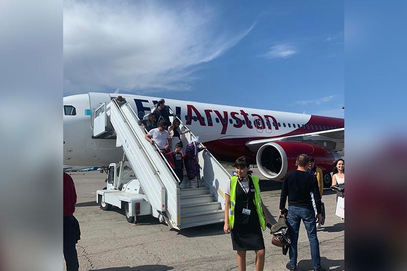Самолёт FlyArystan совершил вынужденную посадку в Алматы
