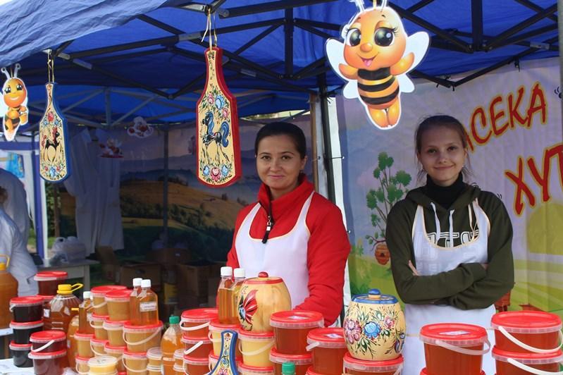 Фестиваль меда прошел в Восточном Казахстане