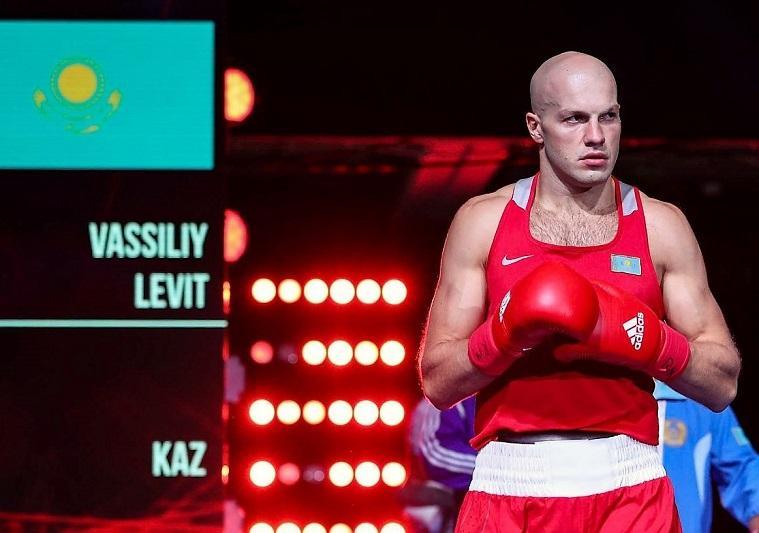 Василий Левит вышел в 1/8 финала чемпионата мира по боксу
