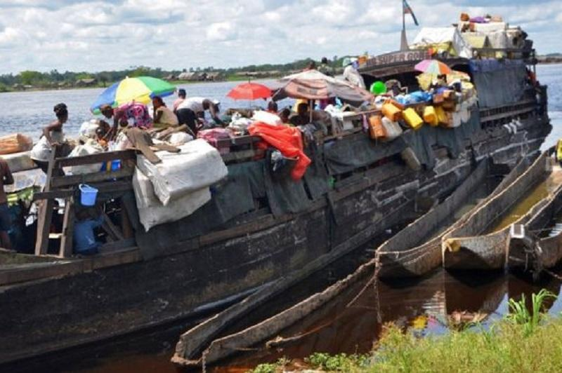 Kongoda kıt aýlaıtyn keme sýǵa batyp, 34 adam habar-osharsyz ketti