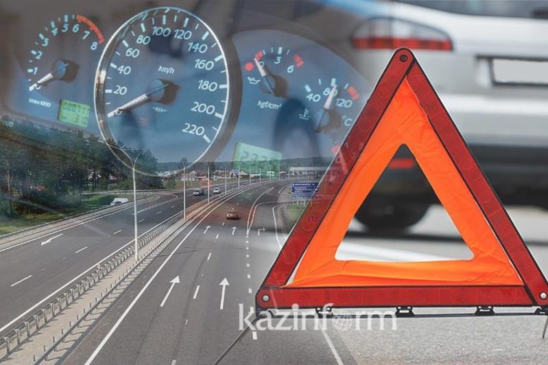 При столкновении двух авто взорвался газовый баллон в Актюбинской области: 6 человек погибли