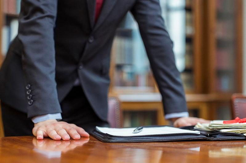 Адвоката подозревают в мошенничестве в ЗКО