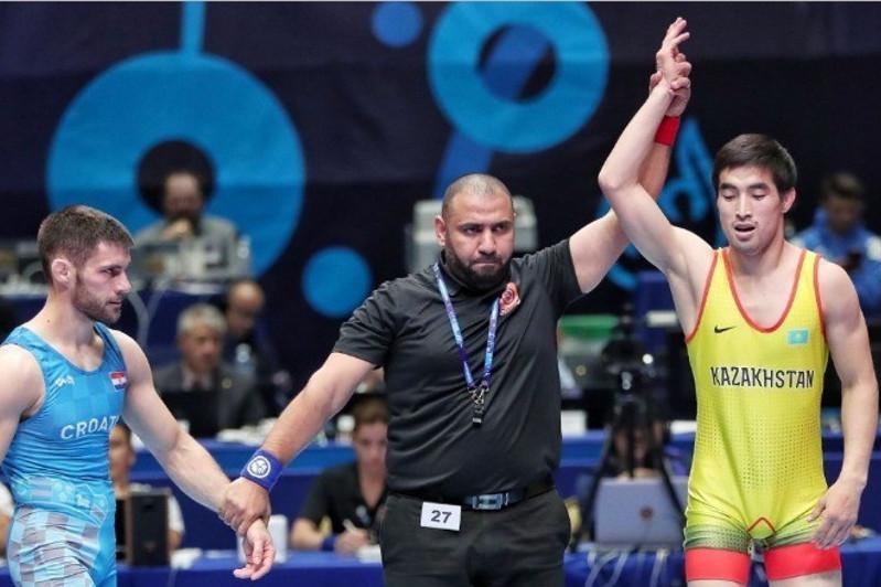 Мейрамбек Айнагулов первым из борцов завоевал лицензию на Олимпиаду-2020