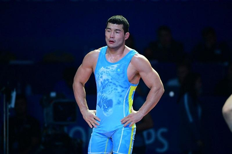 Асхат Дильмухамедов проиграл в полуфинале чемпионата мира по борьбе