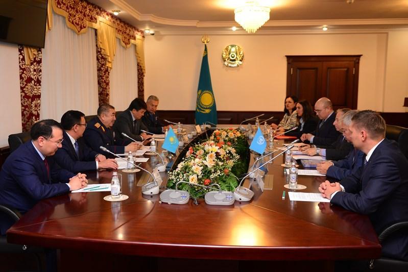 Дорожную безопасность обсудили глава МВД РК и  заместитель Генсека ООН