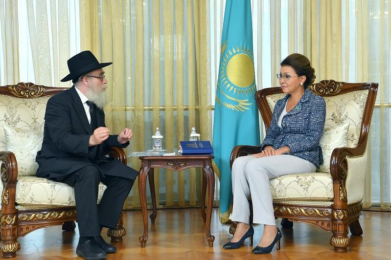 Дарига Назарбаева приняла главного раввина Казахстана