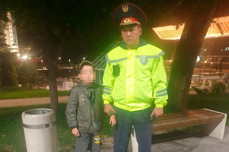 8-летнего мальчика из специнтерната нашли полицейские Алматы