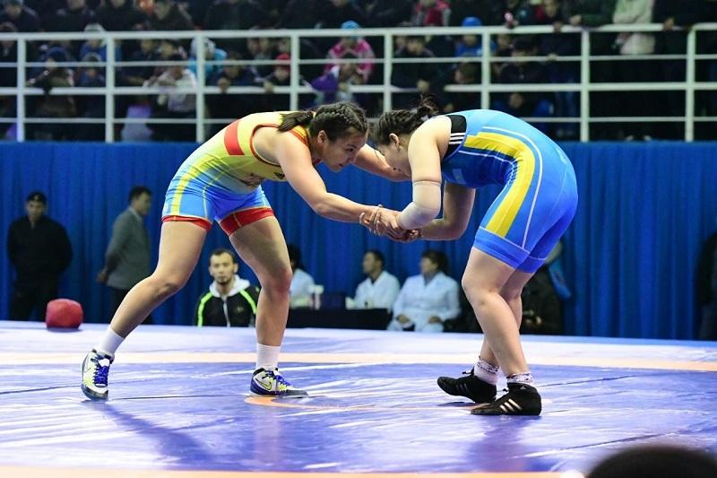 Күрестен әлем чемпионаты: Балуан қыздар сынға түседі