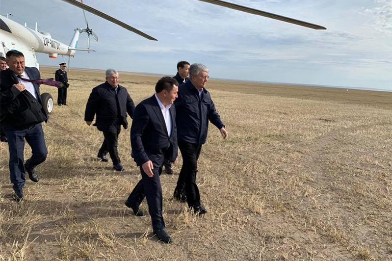 托卡耶夫总统抵达阿克莫拉州开始视察