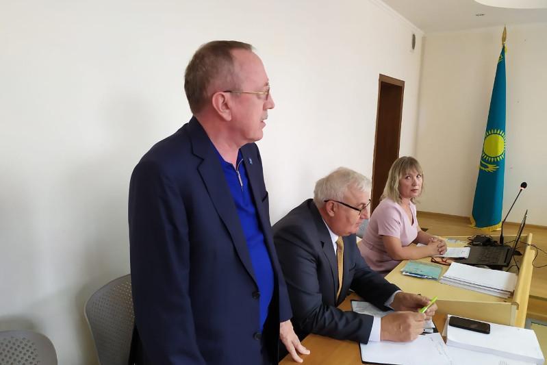Известного бизнесмена Василия Розинова судят в Костанае