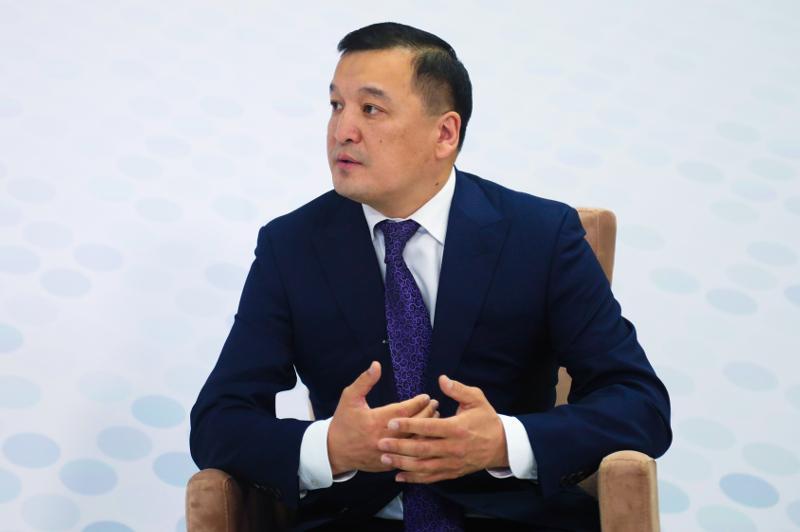 300 человек будут отобраны в Президентский молодежный кадровый резерв — АДГС