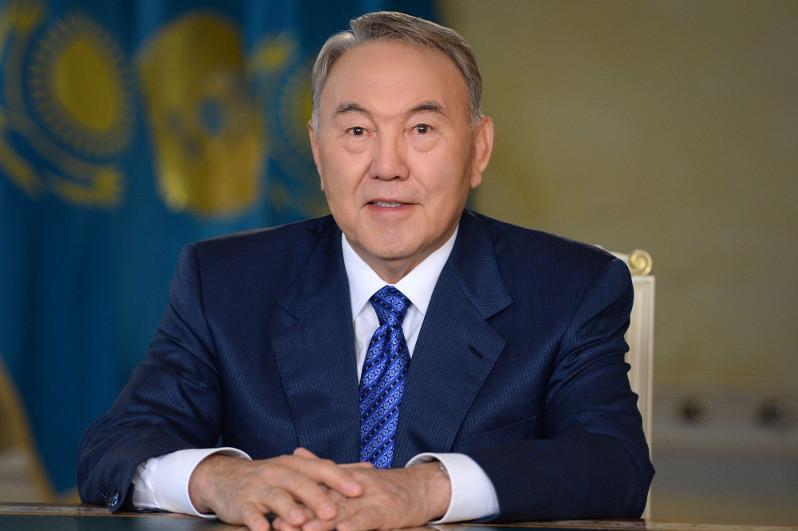 """首任总统被授予""""内华达-塞梅""""国际反核运动勋章"""