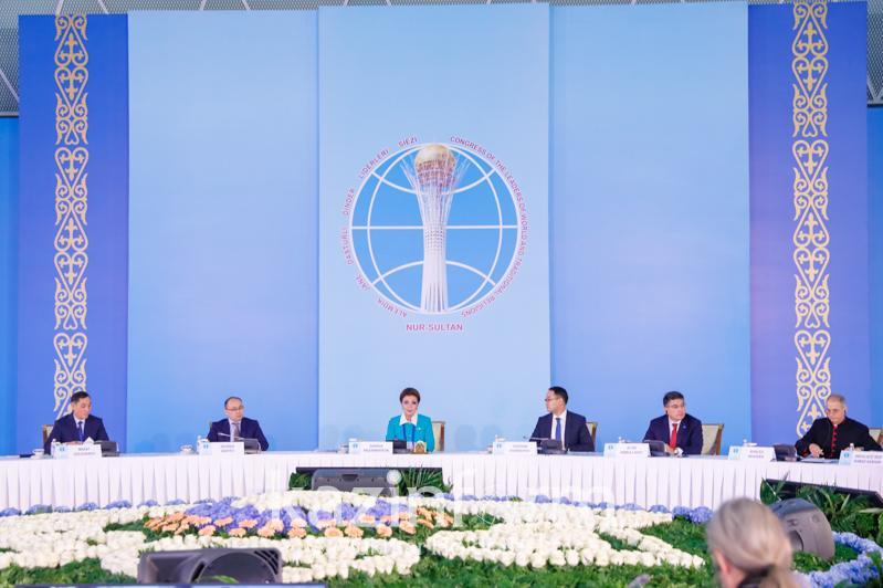 世界和传统宗教领袖大会提议为成员授予«志愿大使»称号