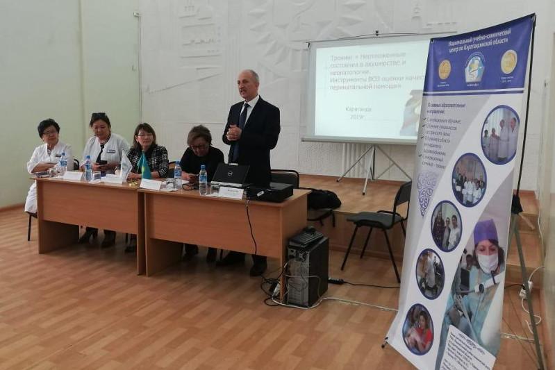 Эксперт ВОЗ проводит мастер-класс для карагандинских врачей