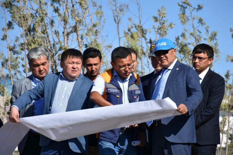 Умирзак Шукеев проинспектировал строительные площадки в Туркестане