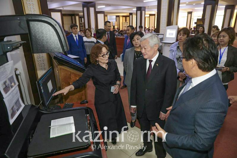 Бердибек Сапарбаев прибыл с рабочей поездкой в Алматы