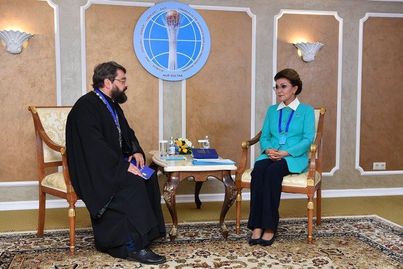 纳扎尔巴耶娃会见多名世界宗教领袖代表