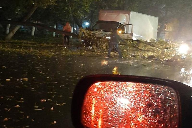 Ураган обрушился на Петропавловск