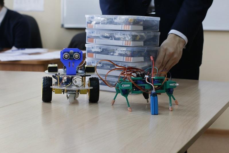 Жамбыл облысының мектептерінде 210 робототехника кабинеті жұмыс істейді