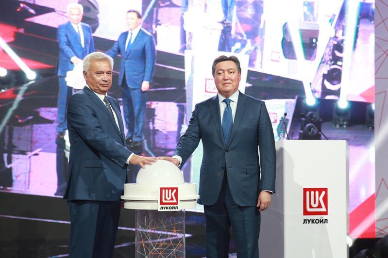 Аскар Мамин принял участие в открытии завода по производству масел в Алматинской области
