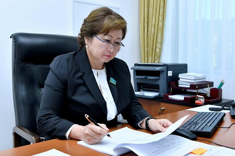 Сенатор Ляззат Сулеймен встретилась с женщинами столицы