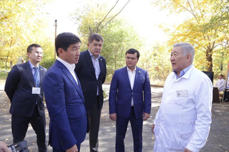 «Nur Otan» Қарағандыдағы онкологиялық орталықтың құрылысын бақылауға алады