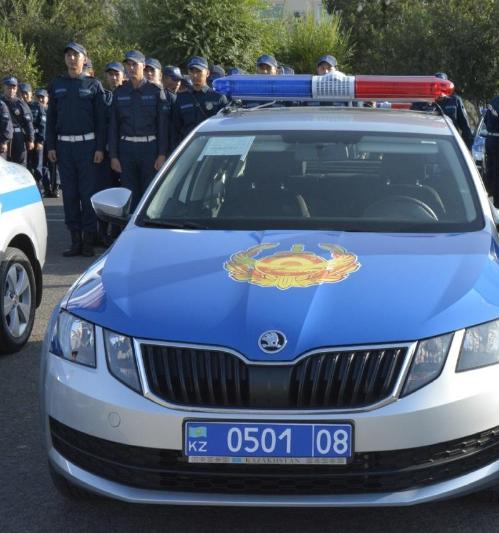 Жамбылдық полицейлерге 102 су жаңа қызметтік көлік берілді
