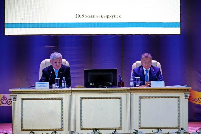 Бердибек Сапарбаев рассказал восточноказахстанцам о социальной защите граждан