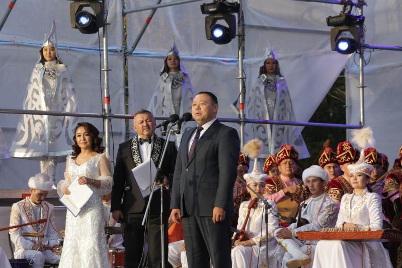 Звёздный концерт в честь 125-летия Сакена Сейфуллина прошёл в Караганде