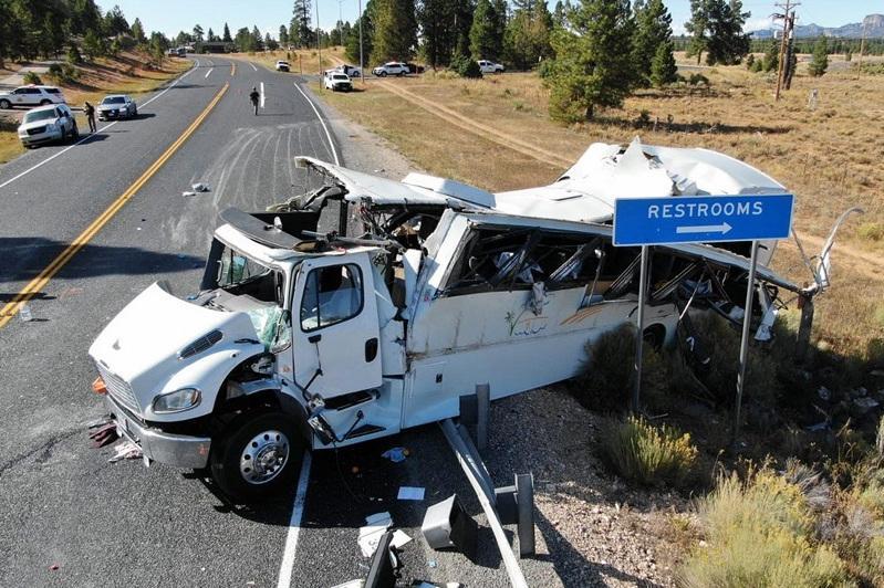 Автобус с туристами разбился в США