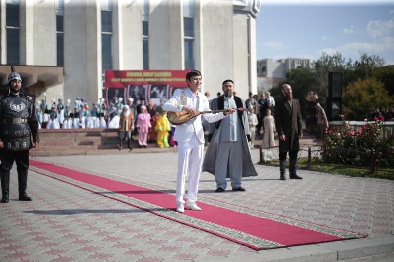 Семейде Әмина Өмірзақованың мерейтойына арналған  театр фестивалі өтіп жатыр