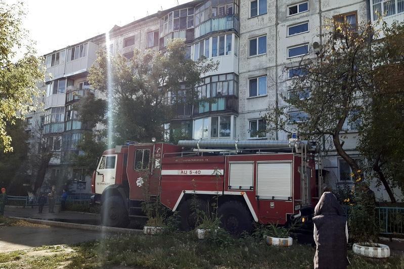 20 человек эвакуировали из-за пожара в Петропавловске