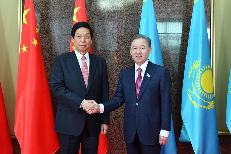 Нурлан Нигматулин провел переговоры со своим китайским коллегой Ли Чжаньшу